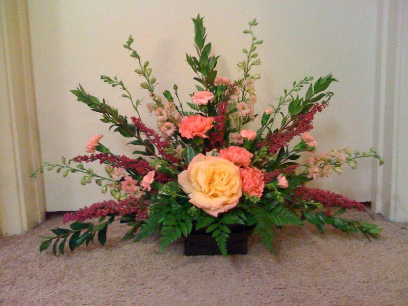 Types Of Classy Flower Arrangements For Gift